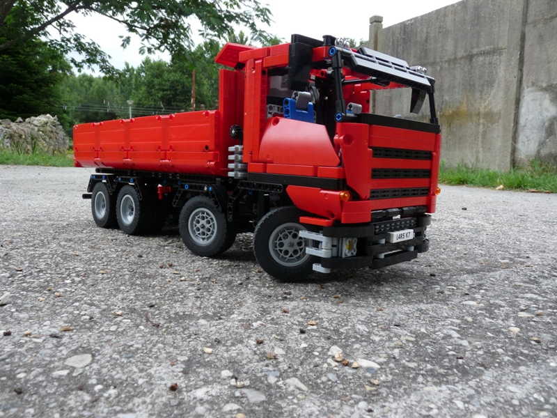 camion benne 8x4